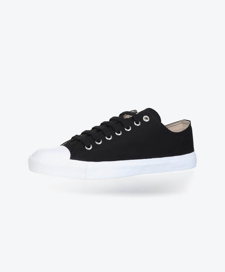 Fair Trainer White Cap Lo Cut Collection 18 Jet Black from Honestfashion Store