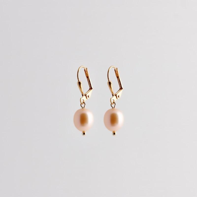 Pearl earrings gold SALE from Julia Otilia