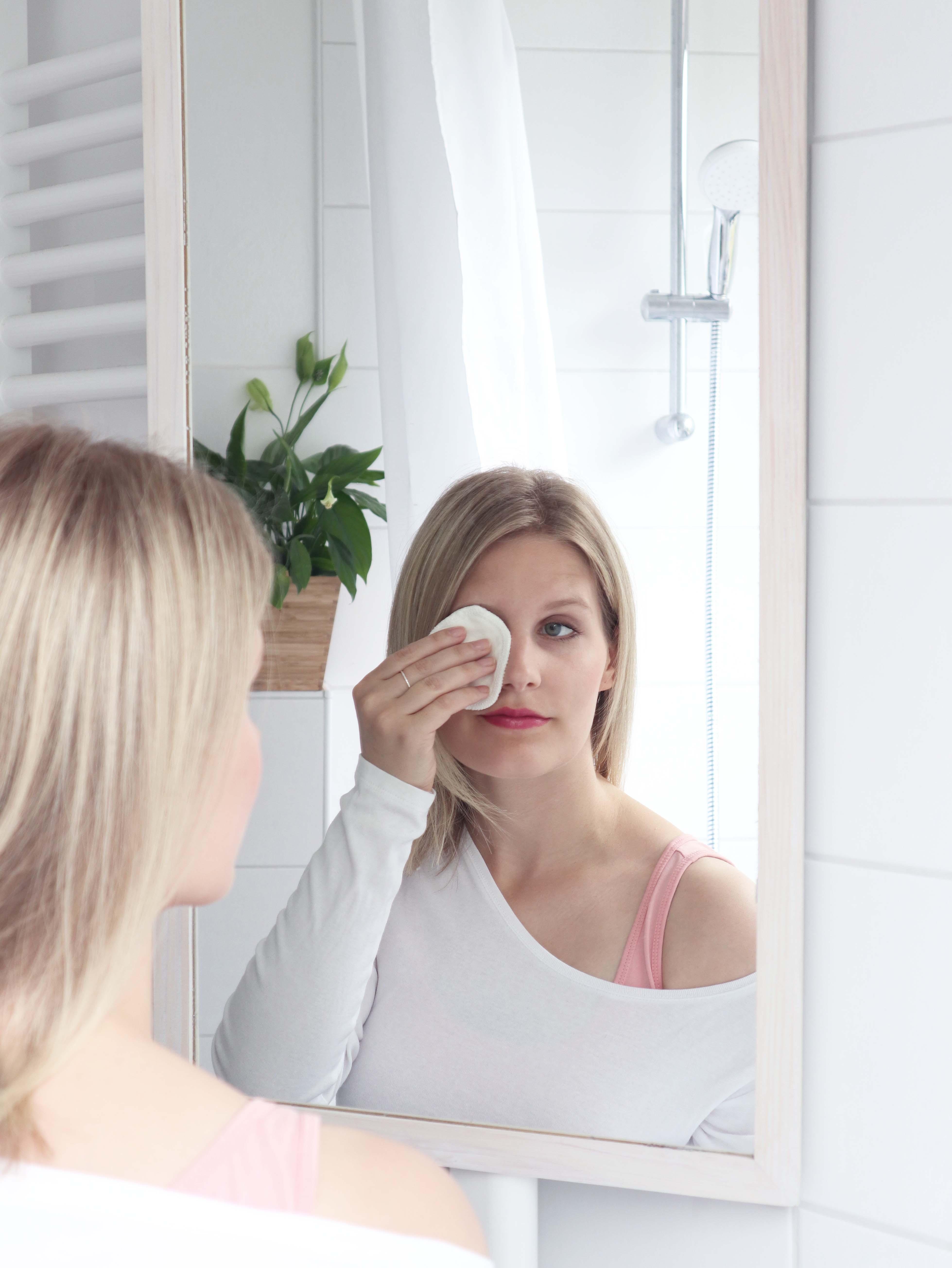 Make-Up Pads from MAGELLANA