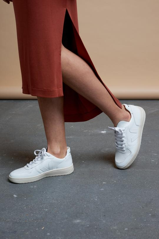 V-10 sneaker extra white from thegreenlabels.com
