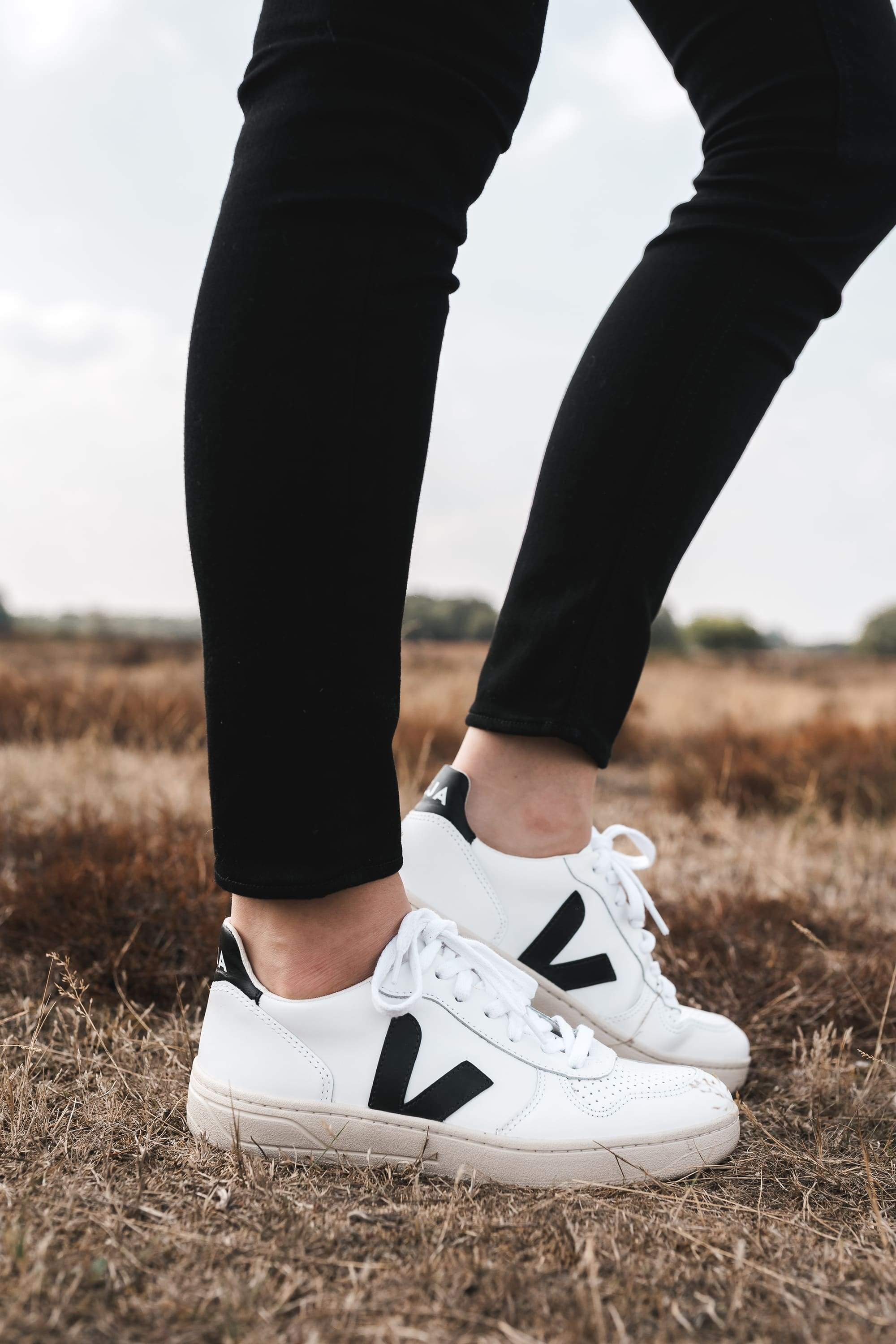 V-10 sneaker extra white black from thegreenlabels