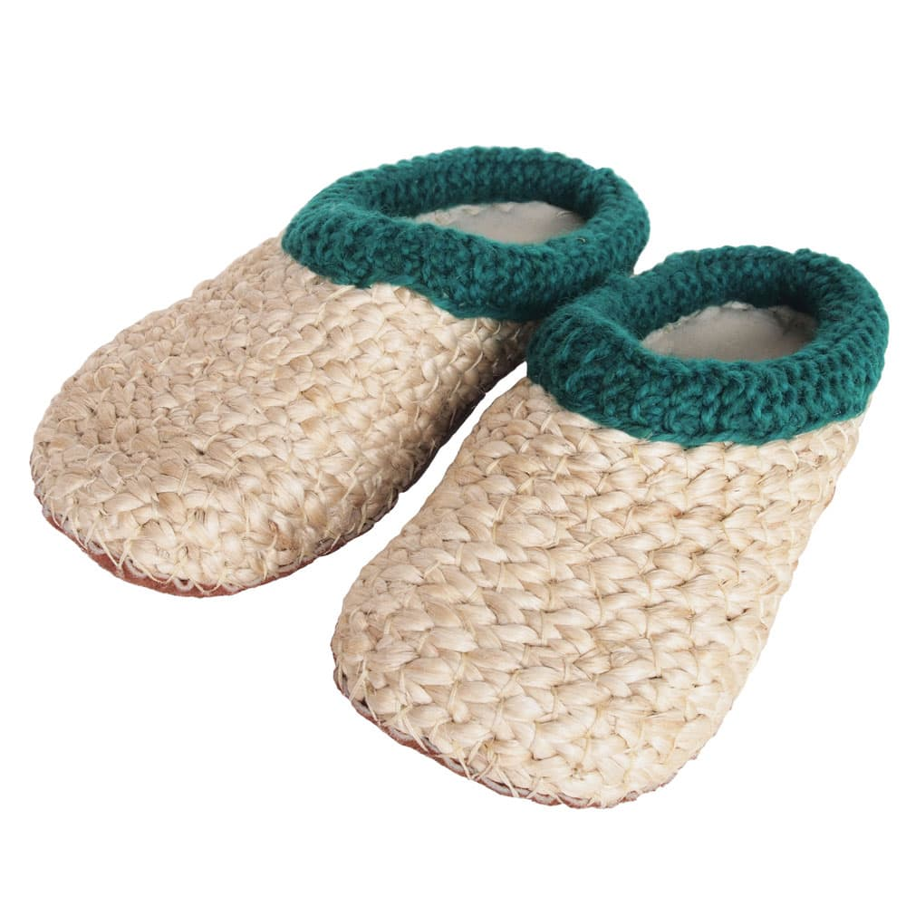 Banana leaf slippers with green border from Tulsi Crafts